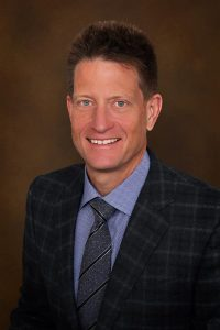 Headshot of Dr. Steven Ahrendt