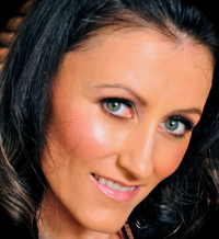 Solvène Karen, Business Coach, Consultant & NLP Trainer at AltitudesCo   WiseIntro Portfolio