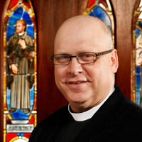 The Rev. David Simmons, ObJN, Episcopal Priest, Ecumenist, Gaming Geek, Percussionist, and Tolkien Wonk | WiseIntro Portfolio