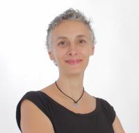 Sara Martínez Muñoz, Consultora de Comunicación at 5 Palabras, Hacerlo bien y hacerlo saber | WiseIntro Portfolio