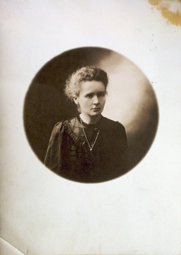 Image of Curie-Portrait-AC