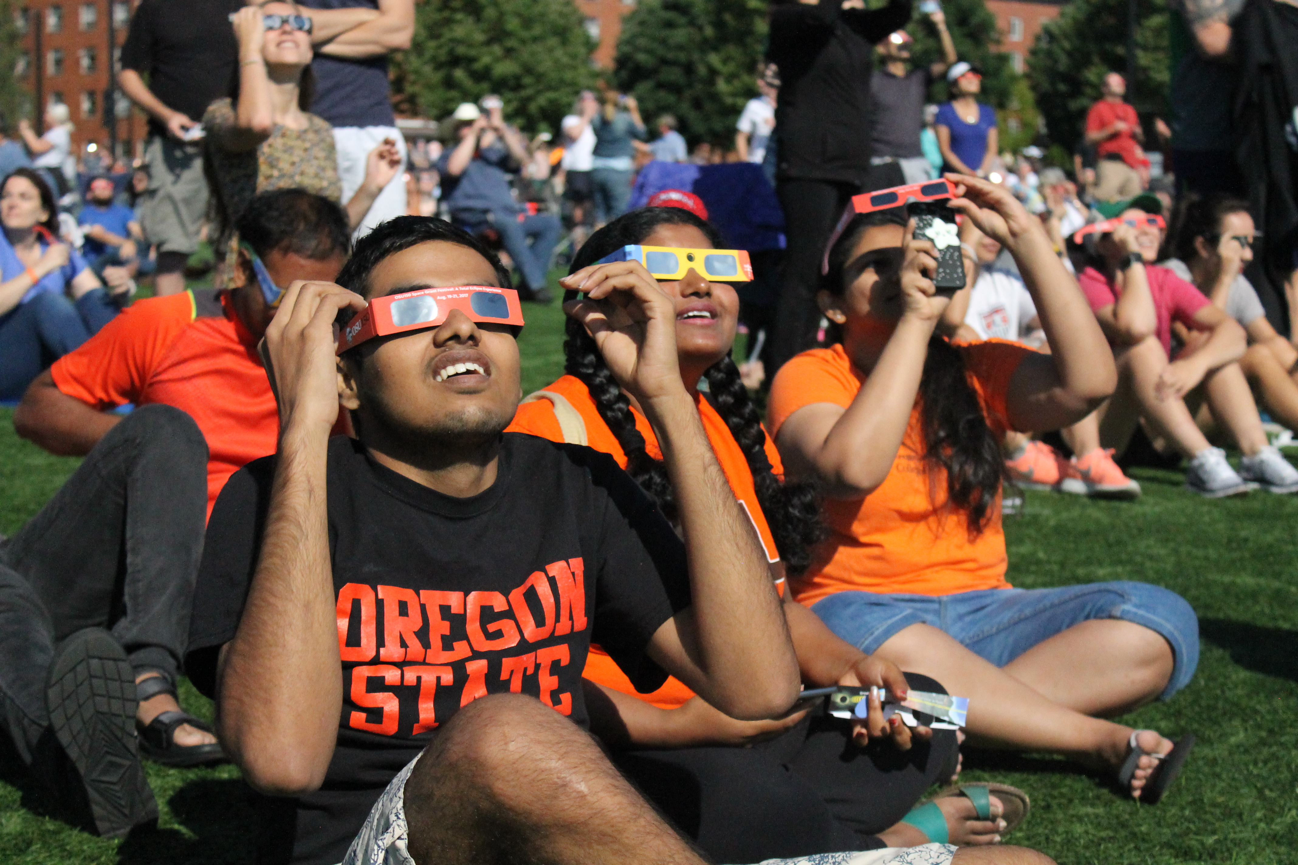 solar-eclipse-glasses---underluckystars