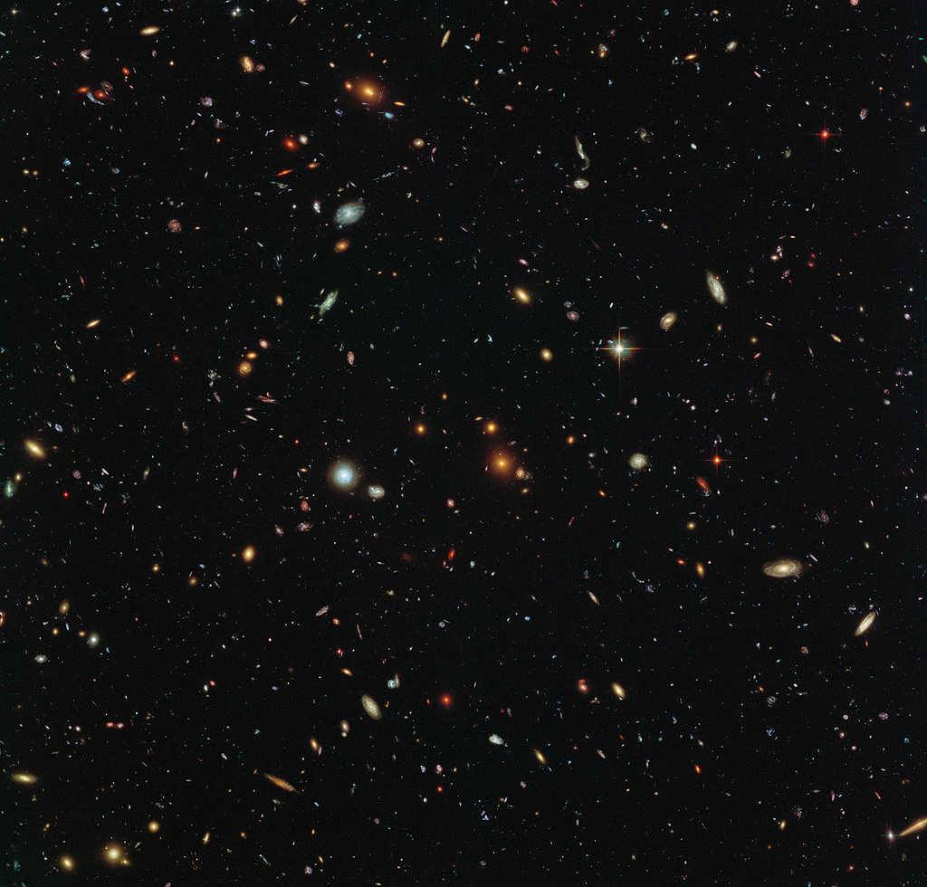 hubble-telescope-galaxies---underluckystars