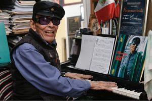 Fallece el legendario baterista de jazz Tino Contreras, precursor del género en el país