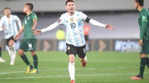 Bate Messi récord goleador de Pelé con triplete ante Bolivia