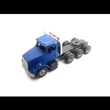 Z KW Tri-Axle Tractor