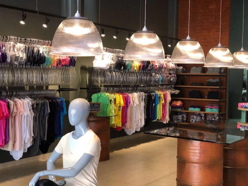 708688e88 Quase uma década de história  loja inova no conceito de moda fitness