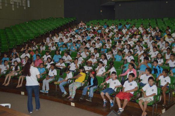 Entre os dias 10 e 11 estiveram presentes estudantes e professores de seis escolas municipais (Foto: Kathleen Mariane)