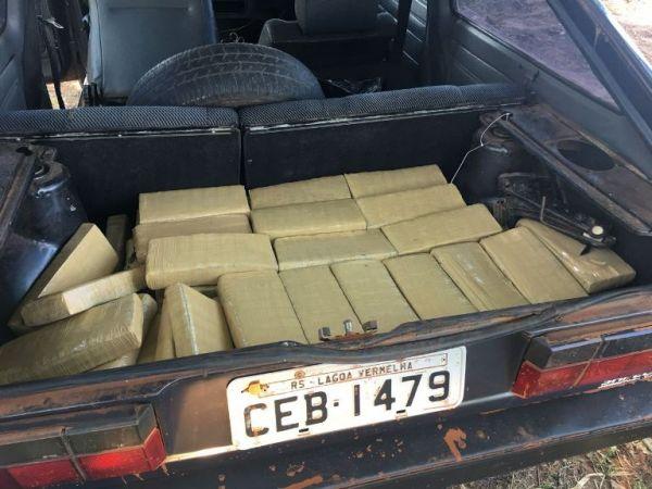 A droga seria levada para São Paulo (Foto: PMPR)