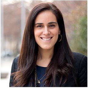 Pilar Bunster Zegers, Directora Comercial de la Vicerrectoría de Desarrollo Profesional