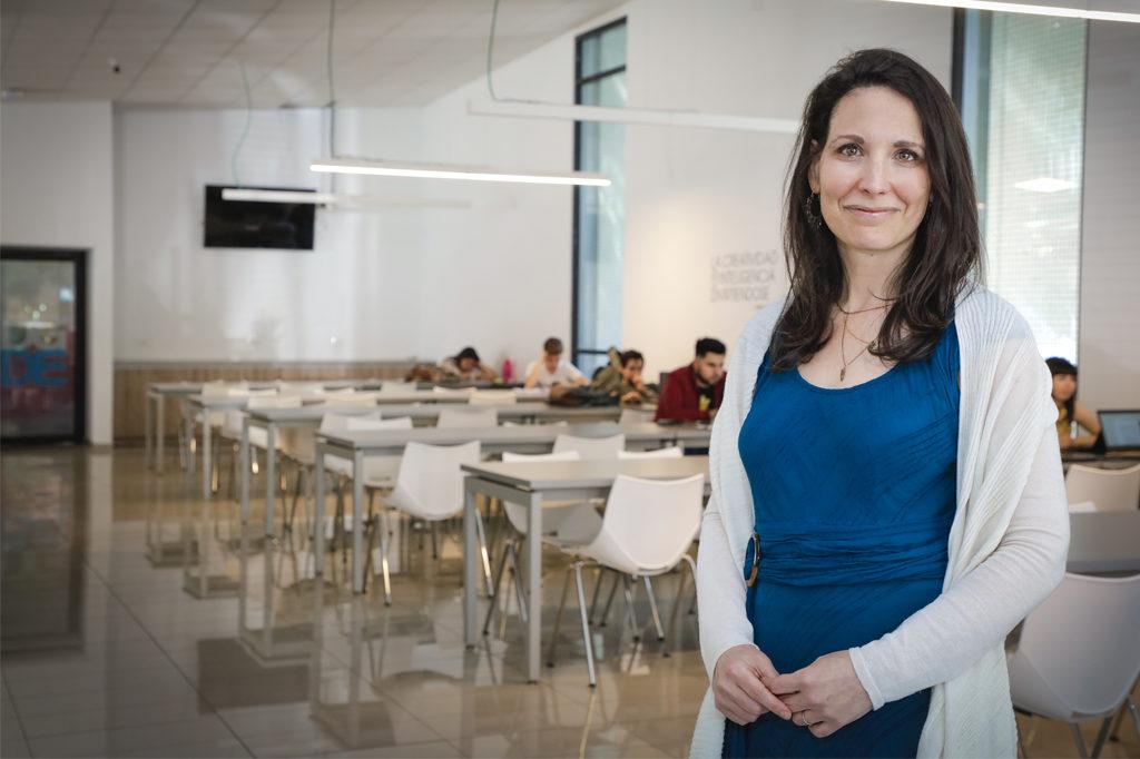 TAL REININGER POLLAK, Directora de Trabajo Social Vespertino.