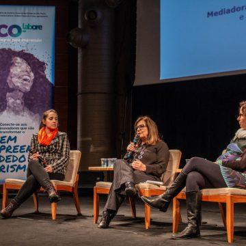 """Da esq. para a dir.: Julia Chagas (Startup Farm), Marcia Cabral (Idem) e Rachel do Valle (Brazilian Content) no painel """"Como Atrair e Reter Clientes em um Mercado Competitivo""""/Foto: Verônica Bertoni/Unibes Cultural"""