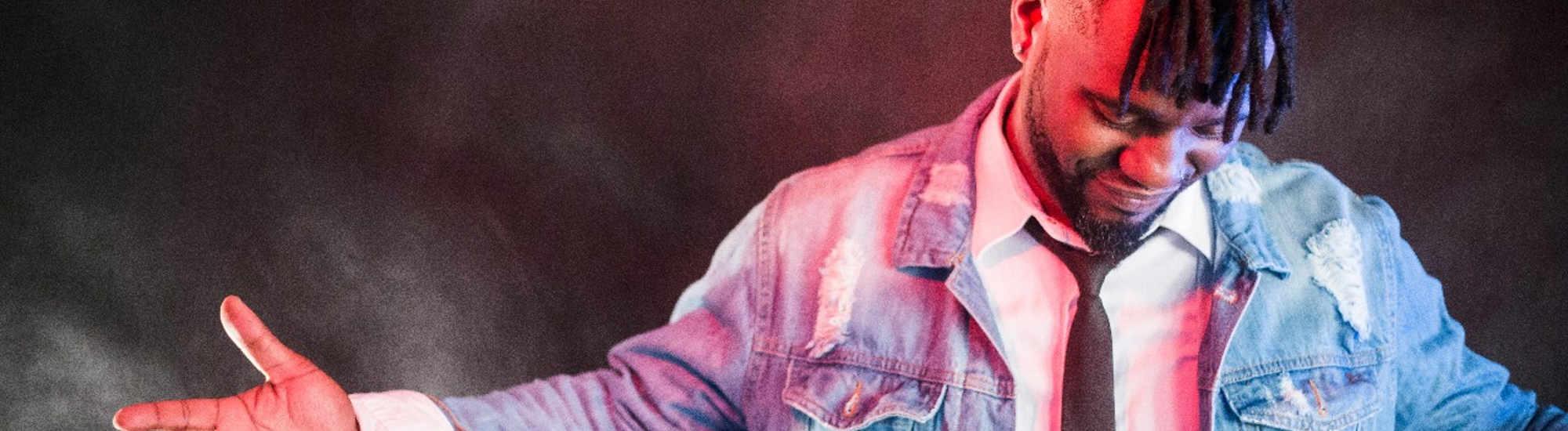 Com show em homenagem a Djavan, Walmir Borges retorna à Unibes Cultural