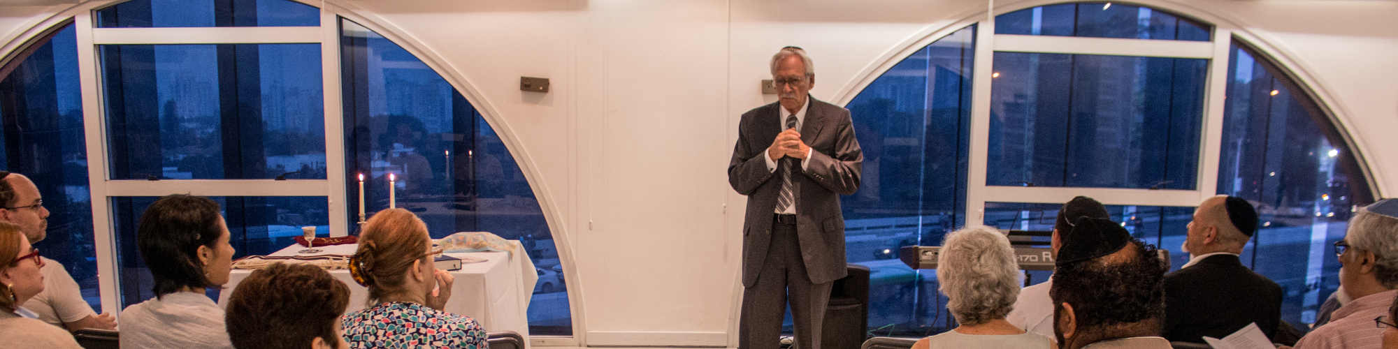 Raul Meyer realiza 8ª cerimônia educativa de Kabalat Shabat