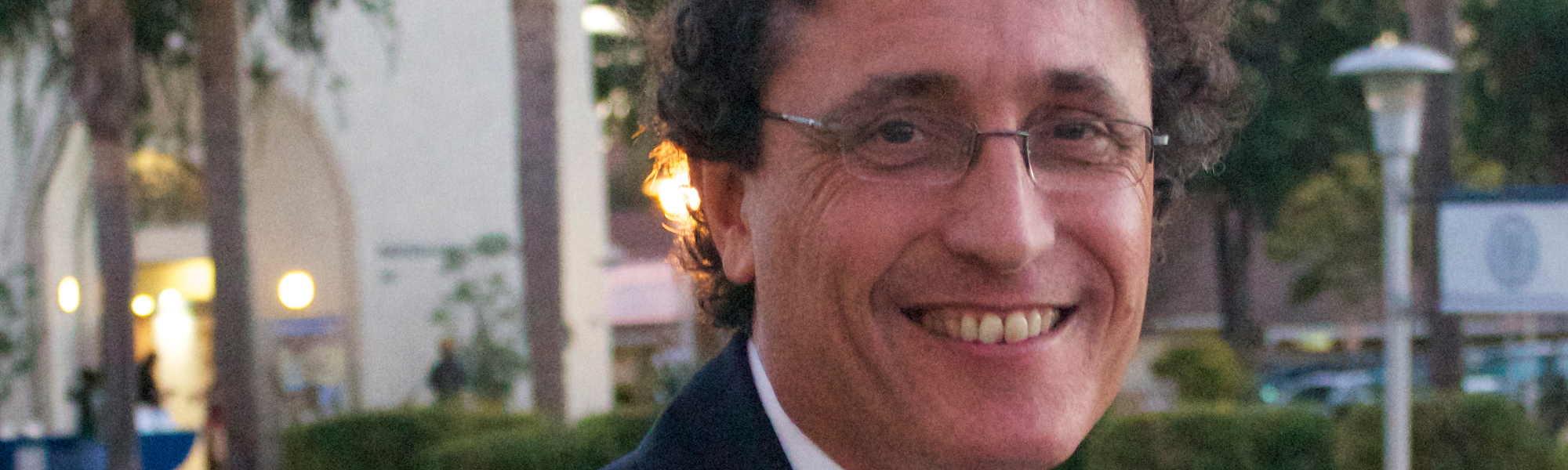 """Adolfo Roitman ministra palestra """"O Museu de Israel: Um Templo Nacional Secular"""""""