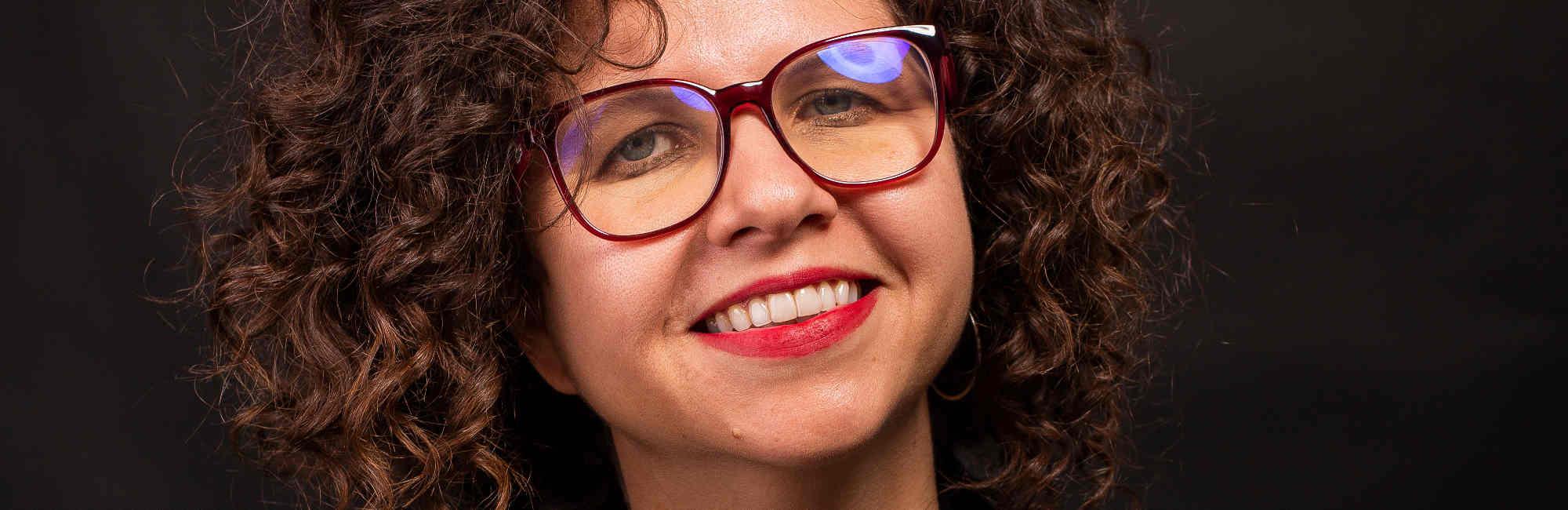 Com músicas inéditas, Roberta Campos realiza show em prol da causa dos refugiados