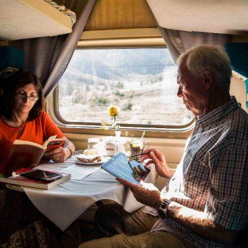 Passageiros durante viagem no Grande Expresso Transiberiano/Divulgação