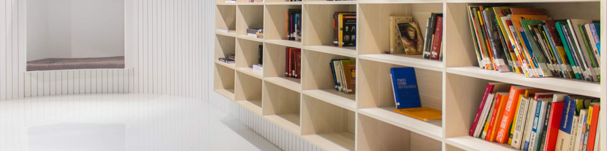 BiblioTech estará fechada de 17/12 a 4/2; mas conheça esse espaço de leitura 100% inclusiva
