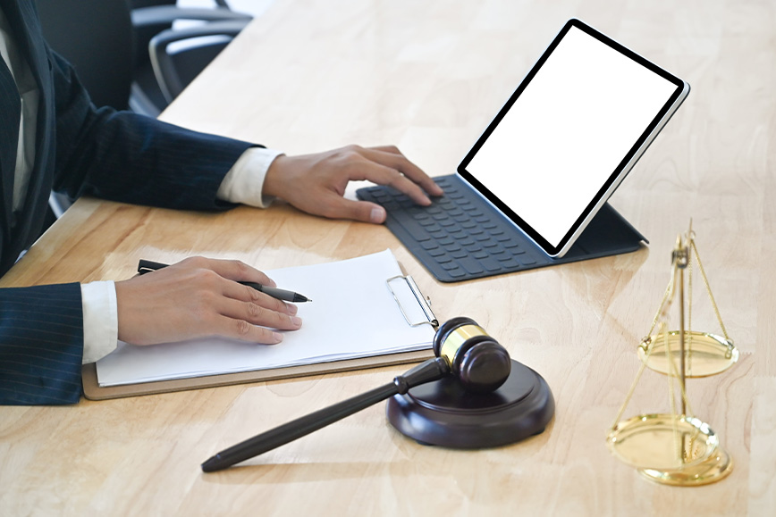Hey GC, Does Your Law Firm Know More About Your Litigation Portfolio Than You Do? – Josh Blandi Writes in Legal Business World