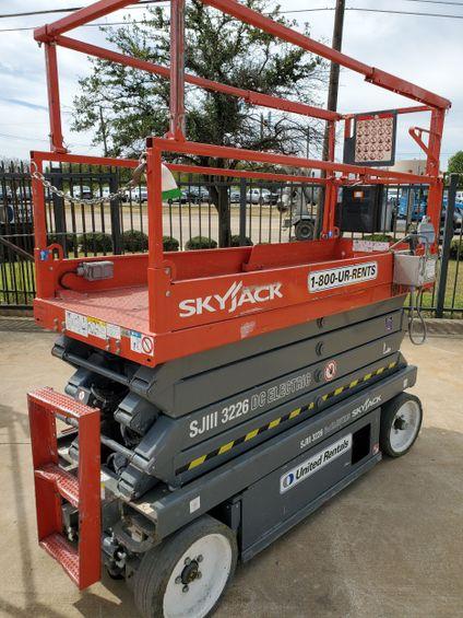2013 Skyjack SJIII3226 Scissor Lift
