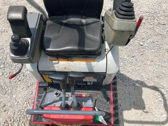 2016 Takeuchi TB210R Mini-Excavator