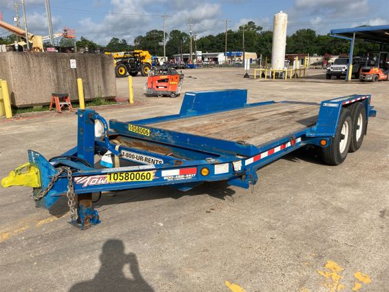 2017 Towmaster T-10DT Trailer