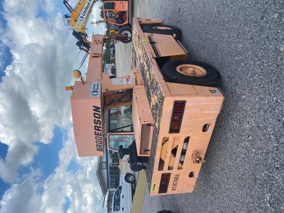2011 Broderson IC-80-3G Crane