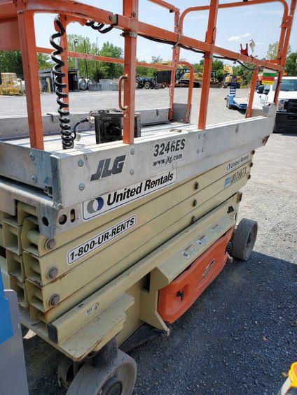 2013 JLG 3246ES Scissor Lift
