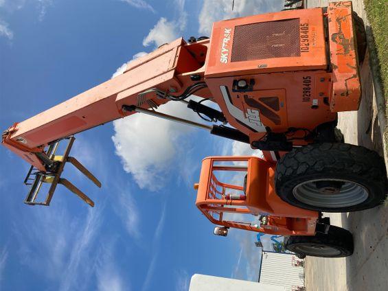 2014 SKYTRAK 6042 Rough Terrain Forklift