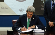 Secretary-General, as the depository of the Arms Trade Treaty, welcomes every signature. Notes that United States, as world's largest arms exporter, has signed