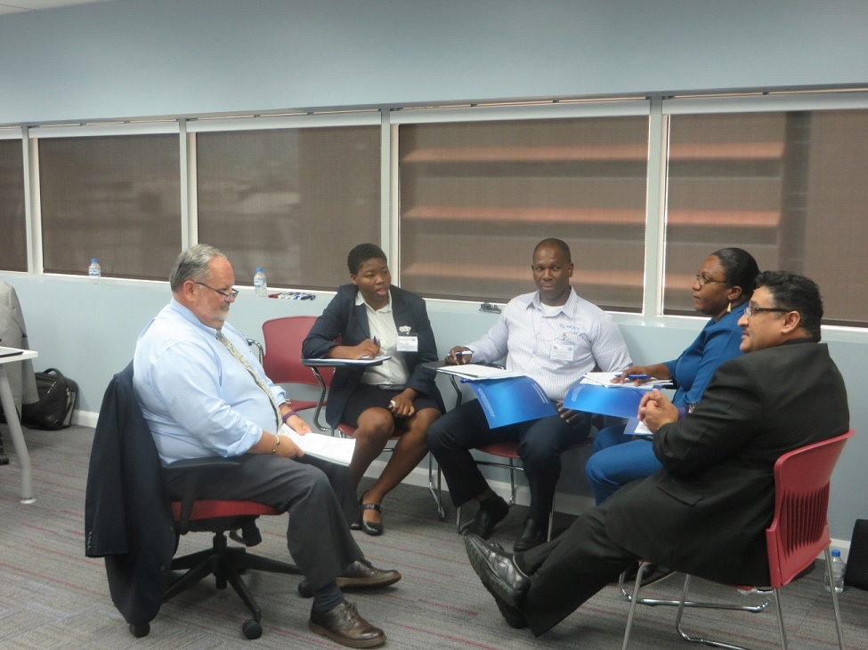 IMO Consultant Gary Sidock facilitating a group discussion