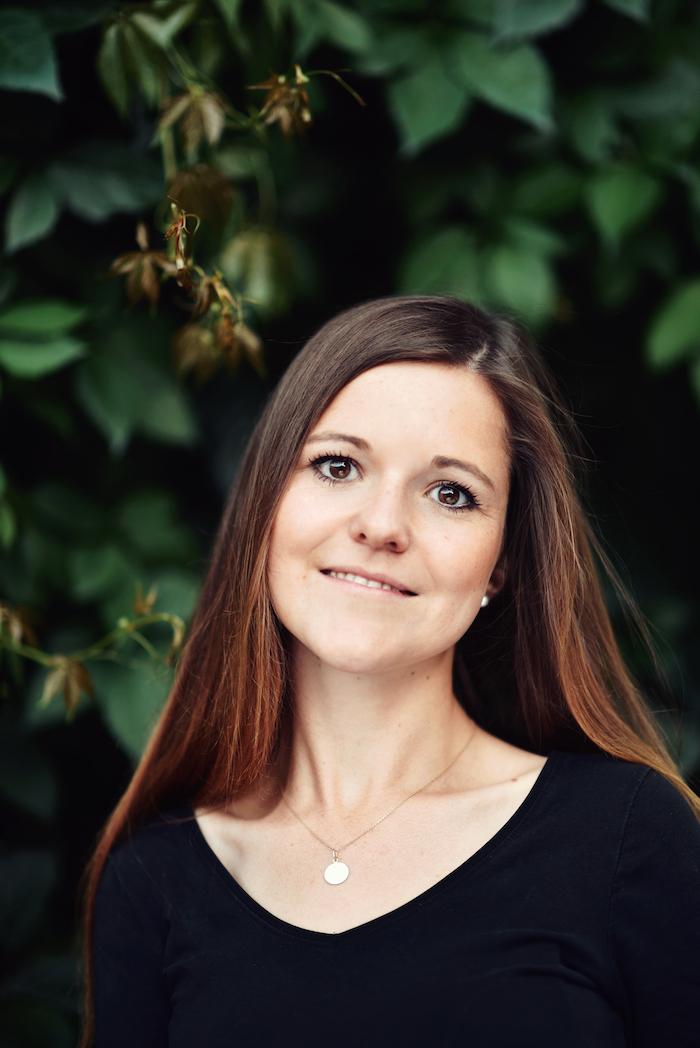 <p>Teresa K.</p>, <p>Schülerin &amp; YTT Absolventin</p>