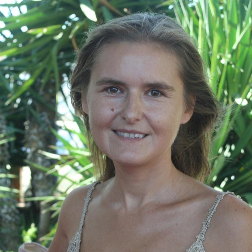 <p>Daria Trifu</p>,