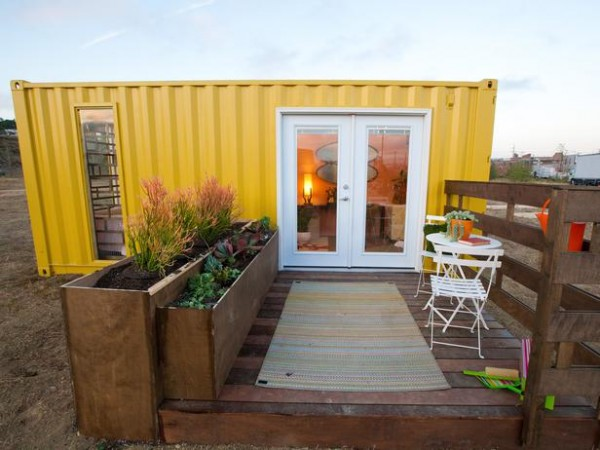 design-star-shipping-container-tiny-house-home-shelter-cabin-cottage-in-the-woods-7-2-600x450.jpg