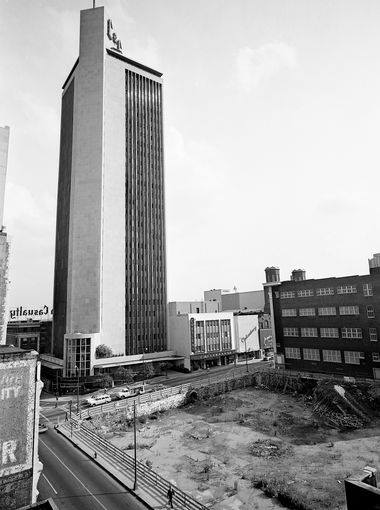 L&C Tower & old Maxwell House lot after burn down, 1965.jpg