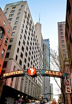 Marriott Couryard Downtown Printers Alley angle.jpg