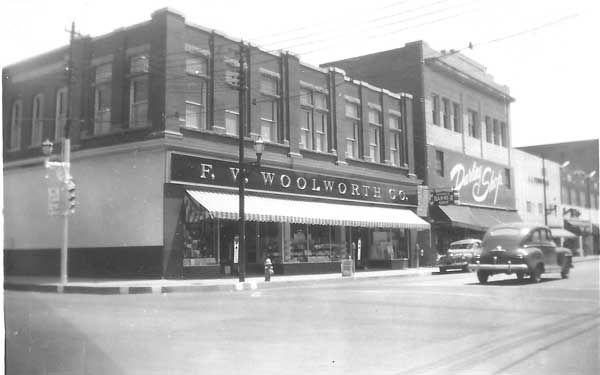 Corner_Irby_and_Evans_F_W_Woolworth-46-800-600-80.jpg