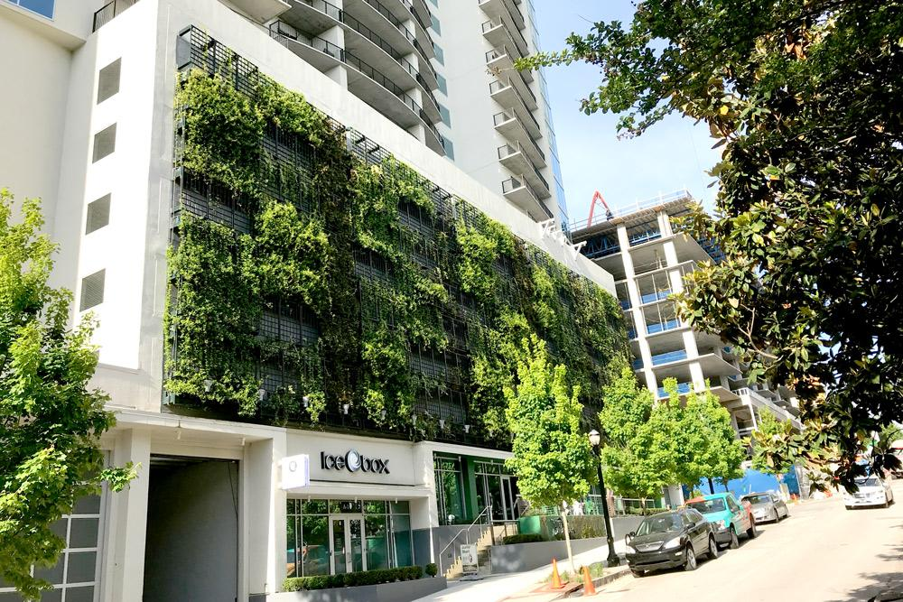 Gsky-plant-systems-living-wall-parking-garages-Yoo-on-the-Park.jpg