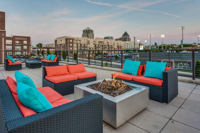 greenway-at-fisher-park-greensboro-nc-roof-top-terrace (1).jpg