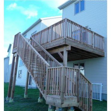 Red Cedar 2nd level deck (Kanata)