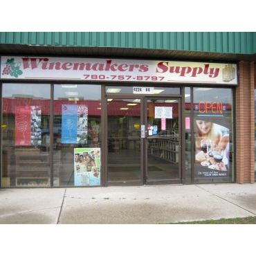 Winemakers Supply Store PROFILE.logo