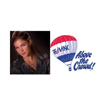 Remax  Performance-  Courtney Sawka logo