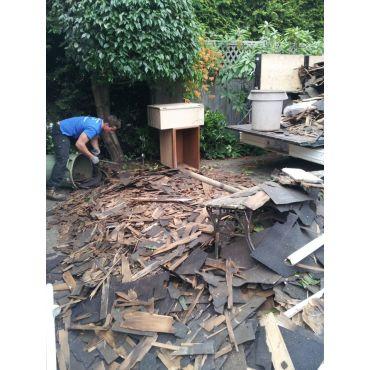 Family in Oakbay tear a roof down