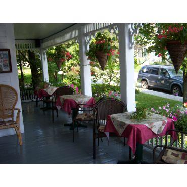 Déjeuners sur notre galerie extérieure