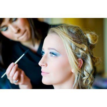 Makeup Services logo