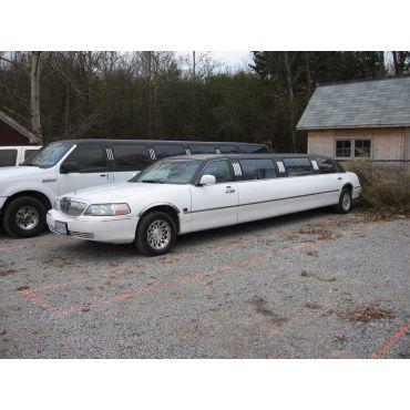 Tuxedo Lincoln Limousine