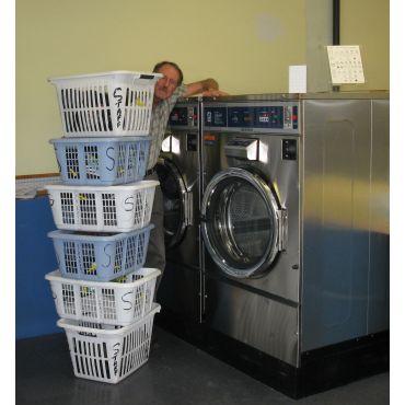 Scrubby's Laundromat PROFILE.logo