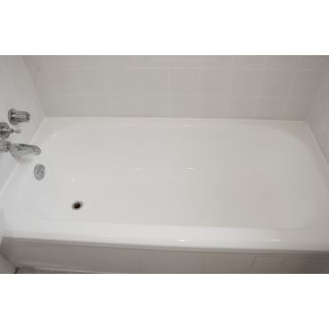 A Beautiful Bathtub After Reglazing