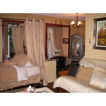 The Luxury Rose Suite