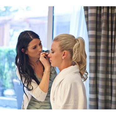 Amber-Rae's Make Up Artistry logo